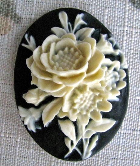 flower cameo