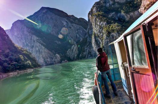 Albanian-barge